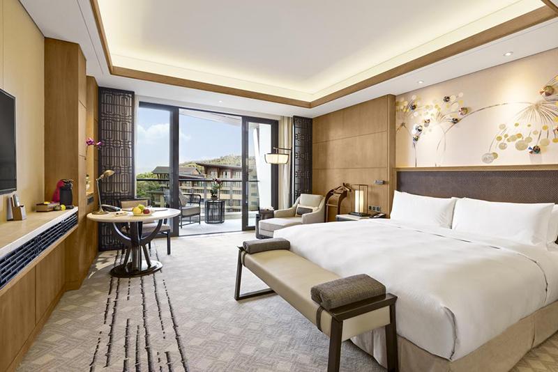 云南大理希尔顿酒店家具案例
