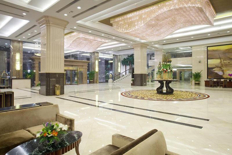 佛山皇冠假日商务酒店家具案例